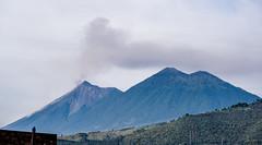 Fuego and Acatenango (ruimc77) Tags: nikon d700 nikkor af 2880mm f3356g volcán volcan volcano fuego acatenango antigua muy noble leal ciudad santiago caballeros guatemala américa central america centroamérica centroamerica