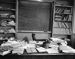 #Albert Einstein's office - just as the Nobel Prize-winning physicist left it - taken hours after Einstein died. Princeton, New Jersey, April 1955. [1024x804] #history #retro #vintage #dh #HistoryPorn http://ift.tt/2gdpwzj (Histolines) Tags: histolines history timeline retro vinatage albert einsteins office just nobel prizewinning physicist left it taken hours after einstein died princeton new jersey april 1955 1024x804 vintage dh historyporn httpifttt2gdpwzj