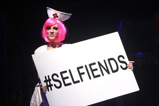 #selfiends