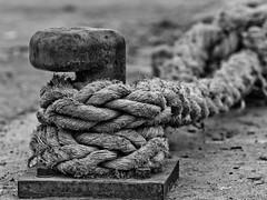Norai (Manel E.) Tags: ametllademar tarragona norai ballard noray rope bwartaward textura texture