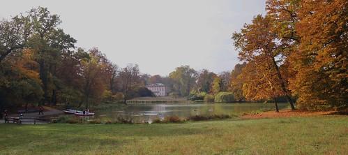 herbstlicher Park Schönbusch