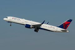 Delta / B752 / N541US / KLAX (_Wouter Cooremans) Tags: lax klax los losangeles losangelesinternationalairport spotting spotter avgeek aviation airplanespotting delta b752 n541us