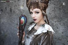 26 (Alessandro Gaziano) Tags: alessandrogaziano costumi cosplay cosplayer costume lucca luccacomics girl woman foto fotografia portrait ritratto sguardo colori colors colore occhi