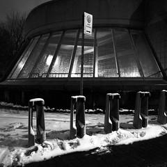 La neige a trouv son chemin jusqu'ici... (woltarise) Tags: outremont station mtro montral