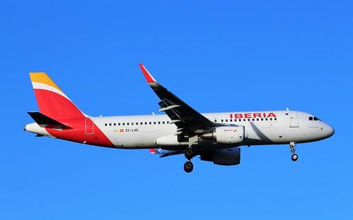 EC-LVD Airbus A320-216SL Iberia