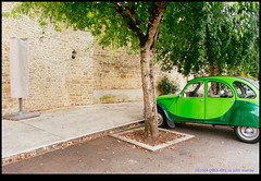 161004-0965-XM1.jpg (hopeless128) Tags: 2cv france eurotrip 2016 tree car wall nanteuilenvalle aquitainelimousinpoitoucharen aquitainelimousinpoitoucharentes fr