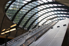 London - Canary Wharf Station (corno.fulgur75) Tags: londres london londýn londra loden londyn angleterre england anglie inglaterra inghilterra engeland anglia grandebretagne velkábritánie storbritannien grosbritannien greatbritain granbretaña granbretagna grootbrittannië øyastorbritannia wielkabrytania grãbretanha october2016 architecture canarywharf station tube metro subway underground transportation transports design normanfoster foster uk unitedkingdom royaumeuni