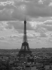 La tour Eiffel (Jonathan_Chin) Tags: paris tower eiffel