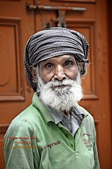 Old-Man (Cute Pakistan) Tags: oldman worker lda 03007480117 walledcityoflahore lahorephotowalk pakistanioldman akhtarhassankhanphotography ldaworker ldalahore ldaworkermochigatelahore