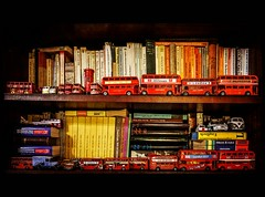 the London Bus collection (TheOtherPerspective78) Tags: greatbritain england bus london english cars buses canon toys souvenirs model busse sightseeing books bookshelf tourists shelf collection postbox bookcase shelves modell spielzeug touristattraction regal bcherregal memorabilia collecting trinkets bcher anglophile sammlung eos5dii theotherperspective78 paphernalia