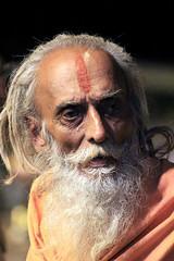 IMG_2491 (CALLEJERO ERRANTE) Tags: woman india man colors children child delhi religion agra varanasi hindu buddism buddist kolkata calcutta hindi orccha puskar jaiupur bodygaya