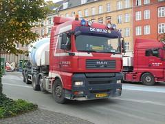 MAN articulated cement mixer (sms88aec) Tags: man truck cementmixer artic