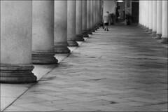 L1000100 Portico (Leica M9 Emar C 90mm) (Paolo Aufieri) Tags: street leica bw digital 90mm novara silenzi gentedistrada leicam9 paoloaufieri elmarc90mm