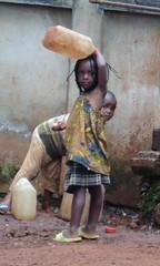 Wasserpumpe in Bandjoun# Sauberes Wasser ist lebenswichtig# Kinder