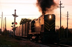 An ALCO Finale (Jeff Carlson_82) Tags: railroad sunset train am smoke railway arkansas local rogers railfan glint switcher alco arkansasmissouri c420