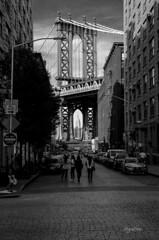 New York_Day 12 (regis.muno) Tags: newyork manhattan usa nikond7000 manhattanbridge brooklyn empirestatebulding bw noiretblanc