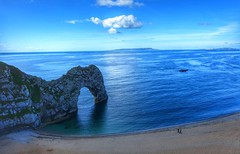 Side by side (Westhamwolf) Tags: beach seaside durdle door lulworth cove dorset england sand sea