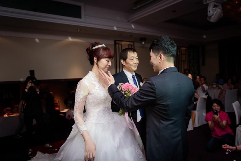 國賓婚攝,台北國賓,國賓飯店婚宴,新秘Miko ,婚攝小勇,台北婚攝, 愛瑞思新娘秘書造型團隊,西敏英國手工婚紗,小寶工作室-022