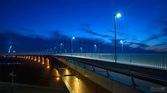 De Oversteek IV ([P]hotogr[AV] (on/off)) Tags: deoversteek gelderland le nijmegen thenetherlands avondfotografie blauweuur bluehour bridge brug langesluitertijd longexposure nachtfotografie