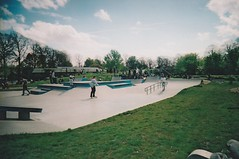 Park life (londoncameraproject) Tags: londoncameraproject toycamera analogue 35mm vuws skatelife skaterboy parklife agfavistaplus200