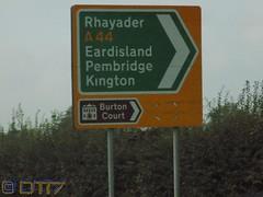Arwyddion Ffyrdd Dwyieithog/Bilingual Road Sign (daleteague17) Tags: bilingual road sign bilingualroadsign signs roadsigns directional welshenglishroadsigns multilanguageroadsigns wales welsh