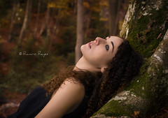Anna (Raelser (Ramiro)) Tags: autumn otoo naturaleza nature color chica bella beauty beautiful ojos eyes verdes bosque forest