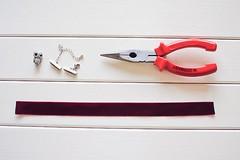 diy_choker_neklace-10 (Stacyco) Tags: diy handmade craft necklace choker velvet ribbon minimal circle jewelry accessories 90s hobby easy simple red marsala burgundy pliers