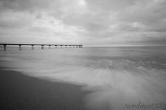 Puente a la calma... //  Bridge to calm... (Nordwest700) Tags: nordwest700 canon7d 7d puente bridge pontdelpetroli badalona byn bw blancoynegro blackandwhite nd400 10mm 1022mm