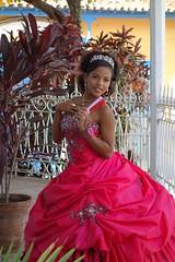 "Trinidad (Cuba) : ""Los Quince aos"" - Fte des quinze ans (NamasKat) Tags: cuba trinidad ftedesquinzeans robe rose fille jeune bijoux photo quince young girl portrait amriquelatine pink dress carabes caribbean chica fifteenyears"