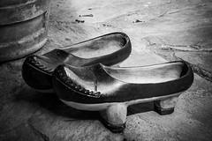 Madreña (Zueco) (amatulow) Tags: wooden clog madreña zueco madera calzado shoes asturias galician galicia canon rebel eos t3 1100d blanco bw black negro white wood artesanal craft handicraftsman handmade countryside campo footwear spain españa eurpe europa monocromatic monocromatico cultura culture root origin ancestors antepasados forefathers castilla y leon aragon cataluña pais vasco norte ruby3