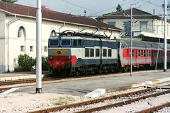 656.079 at Assisi 15-09-89 (Tin Wis Vin) Tags: locos railways assisi fs italy e656 656079 caimano