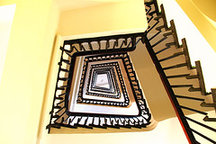 chocolate garnish (Fotoristin - blick.kontakt) Tags: architecture stairs staircase abstract lines light treppe treppenhaus chocolate decoration garnish fotoriatin