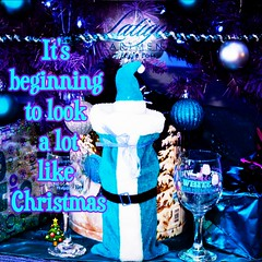It's #beginning to #look a lot like #christmas at #latigoeaglepass #beautiful #blue #filter #follow #me #photooftheday #love #luxury #living (latigoeaglepass) Tags: blue filter beautiful latigoeaglepass love follow me beginning christmas look living photooftheday luxury