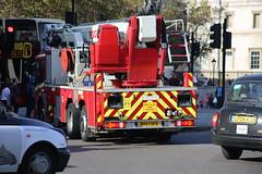 LFB ALP11 (kenjonbro) Tags: uk england london westminster trafalgarsquare mercedesbenz alp charingcross daimler magirus sw1 londonfirebrigade worldcars econic gbfire kenjonbro alp11 canoneos5dmkiii bv57dfd kencorner canonzoomlensef9030014556