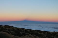 "The shadow of El Teide against Venus's belt <a style=""margin-left:10px; font-size:0.8em;"" href=""http://www.flickr.com/photos/56791810@N02/15326649797/"" target=""_blank"">@flickr</a>"