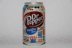 Dr Pepper Limited Edition Vanilla Float (Like_the_Grand_Canyon) Tags: autumn oktober october soft time drink sweet herbst beverage can pop special only soda limited edition nonalcoholic dose getrnk 2014