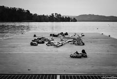 Scarpe... (ale.turconi) Tags: blackandwhite white black sport lago bianco nero biancoenero scarpe pontile passione ragazzi gavirate canottieri tempolibero sudore lagodivarese nikond3100