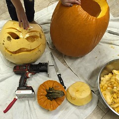 It was a pumpkins-meet-power tools kind of day. #blackanddecker