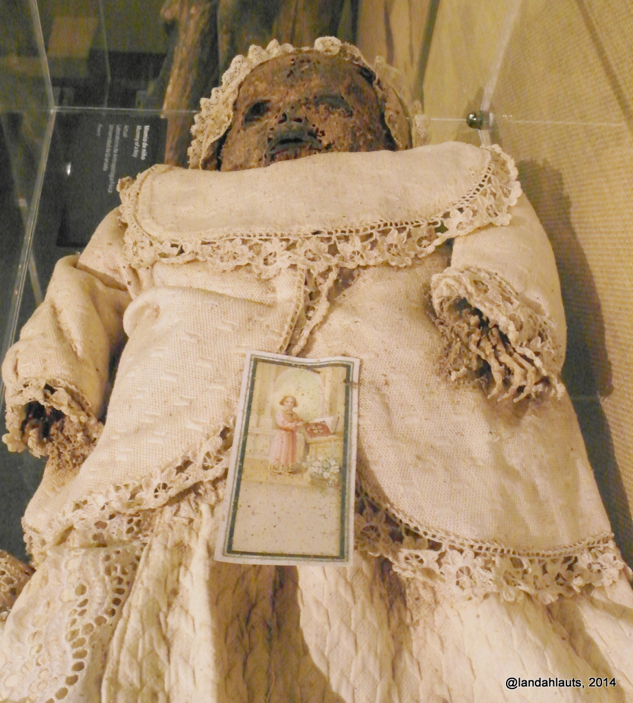 The Gheordez Prayer Rug Was Initially Created: The World's Best Photos Of Embalmed