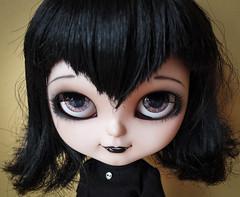 Mavis (Fifilatrixabel ) Tags: hotel doll vampire cartoon bat blythe icy custom clone transylvania fifi mavis jecci5 fifilatrixabel