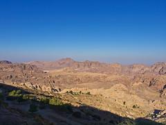 Wste / Desert # 2 (schreibtnix) Tags: reisen travelling jordanien jordan madaba landschaft landscape wste desert berge mountains felsen rocks himmel sky blau blue olympuse5 schreibtnix