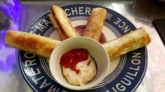 Egg rolls (Roving I) Tags: eggrolls breakfasts sauces cafes cabanon danang vietnam