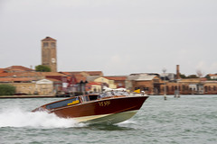 Water Taxi (jaocana76) Tags: taxi venecia murano jaocana76 canoneos7d barrido enfoque desenfoque agua laguna embarcacion canon18200 juanantonioocaña
