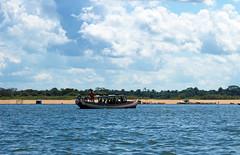 Maraba-1 (Alvaro_CaCO) Tags: blue bluewater par tucunar praia rio guadoce maraba brasil barco boat water azul cores