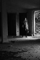 untitled with mask n.2 (Vincenzo Elviretti) Tags: monte scalambra serrone roiate lazio roma provincia maschera mask black white stupro edilizio paesaggio abbandono abandoned inquietudine mistero fantasma ghost nikon mistery