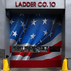 NYFDNY (@ntomarto) Tags: antomarto ntomarto usa statiuniti ny nyfd nyc newyork selfie ladder flag americanflag starsandstripes 11 119 11settembre