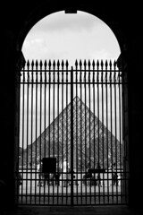 Gateway to The Louvre (Mikey Down Under) Tags: thelouvre louvre art museum paris france francais glass pyramid building architecture landmark bw blackandwhite monochrome mono