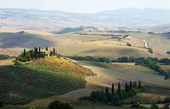 Peaceful afternoon in Val d'Orcia (Gregor  Samsa) Tags: italy italia tuscany toscana summer august trip roadtrip exploration sun sunny view vista overlook viewpoint rollinglandscape rollinghills vald'orcia poderebelvedere podere belvedere val d'orcia valley