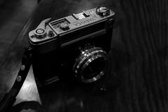 Yashica Minister D (jcbkk1956) Tags: grain wood yashinon 45mmf28 manual analog 35mm xf27mmf28 xt1 fuji blackandwhite mono japanese film rangefinder camera ministerd yashica