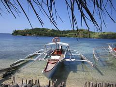 WAITING FOR TOURISTS (PINOY PHOTOGRAPHER) Tags: matnog sorsogon bicol bicolandia boat sea luzon philippines asia world